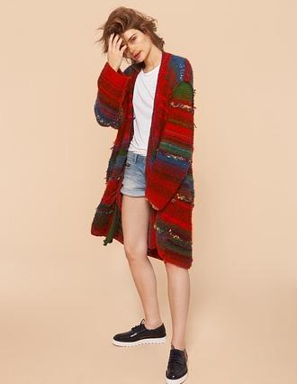 Unikatowy sweter zrobiony ręcznie na drutach