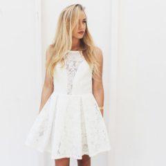 Biała sukienka na każdą okazję