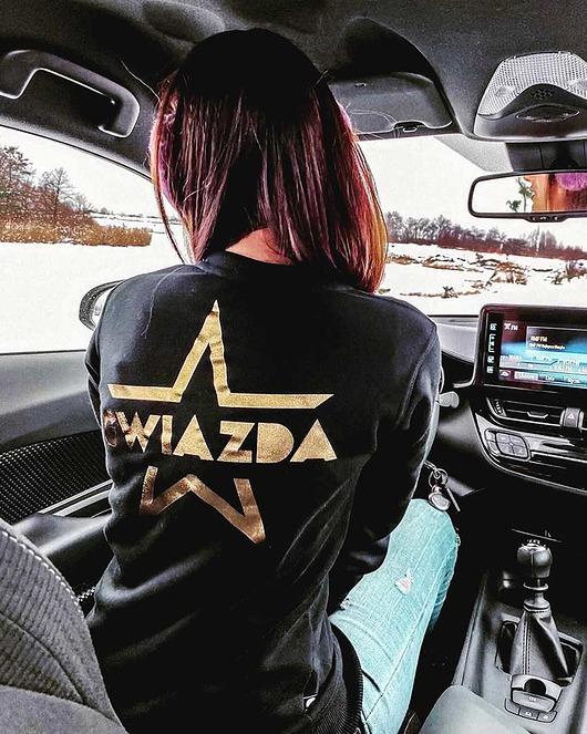 Czarna bluza damska z nadrukiem Gwiazda