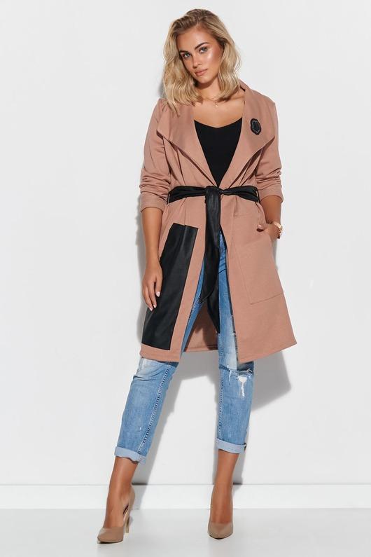 Dresowy płaszcz damski z elementami z eko-skóry