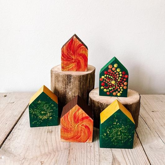 Domki z drewna kolorowe (5 szt)