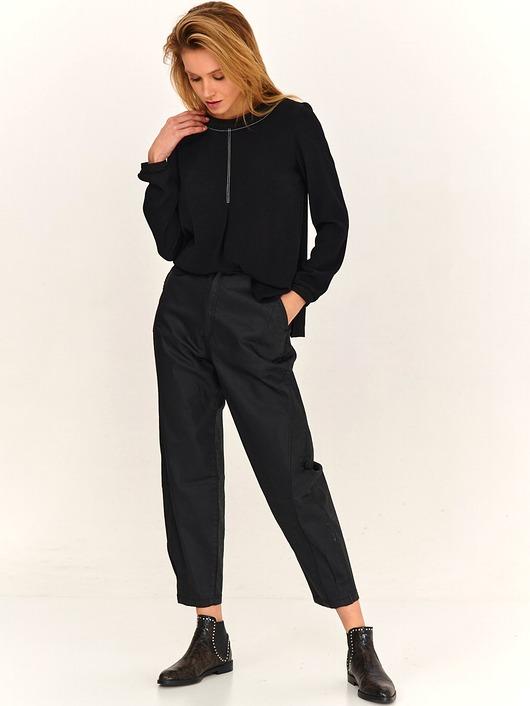 Bluzka damska LaRime z kontrastowymi stębnówkami