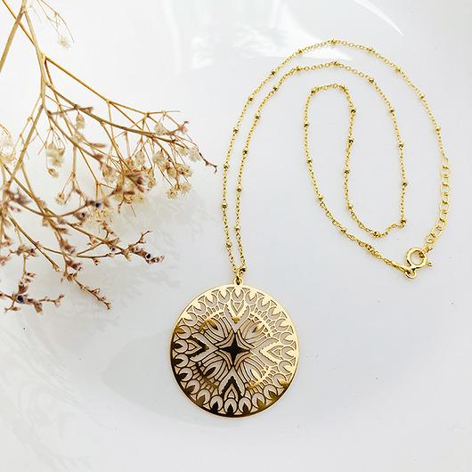 naszyjnik z a¿urow± rozet±, z³oty medalion