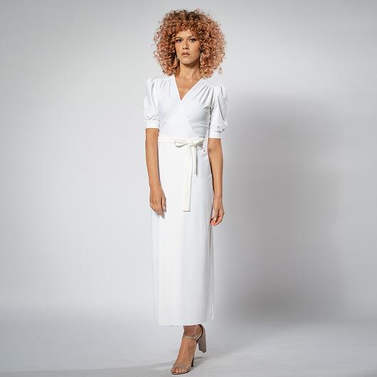 Kelly White - Biała sukienka kopertowa