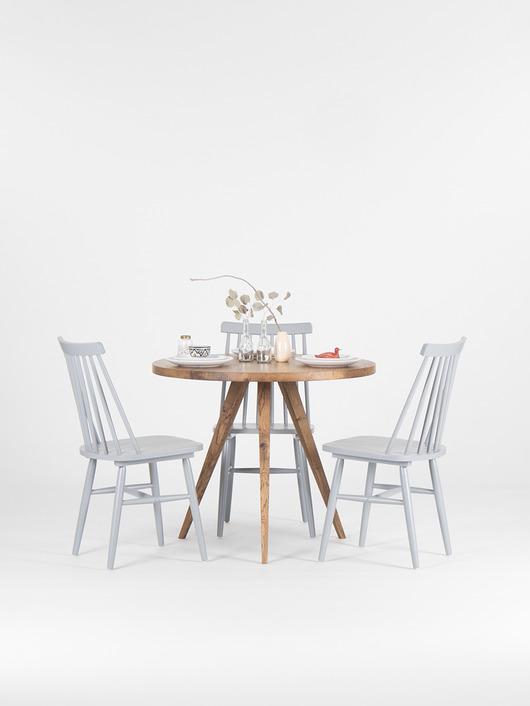 Okrągły rustykalny stół dębowy