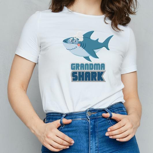 Koszulka damska Grandma shark